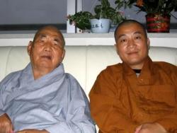 Maître Shi Heng Jun avec le Grand Maître Shi Su Xi